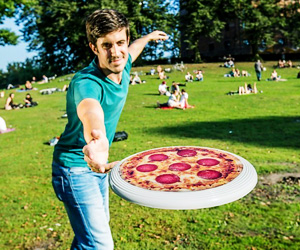 frisbee-pizza